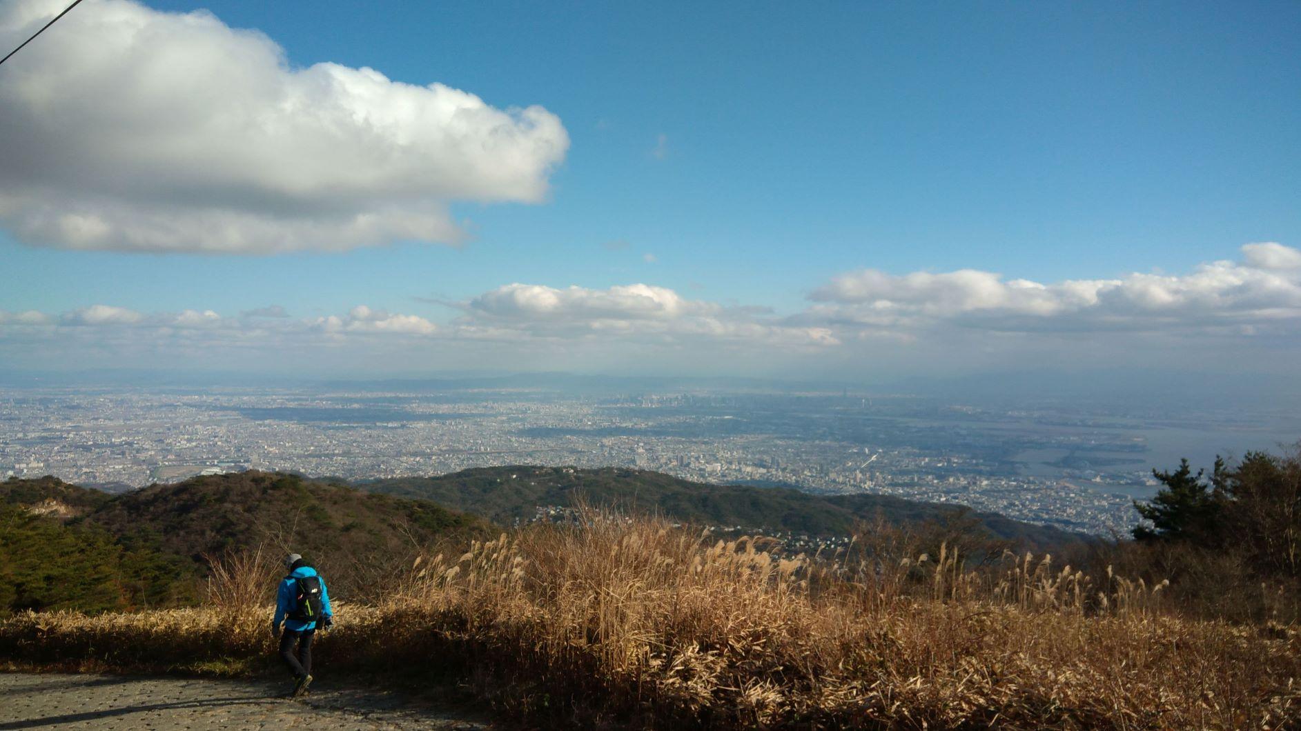 六甲山最高峰から芦屋・西宮・大阪方面を望む
