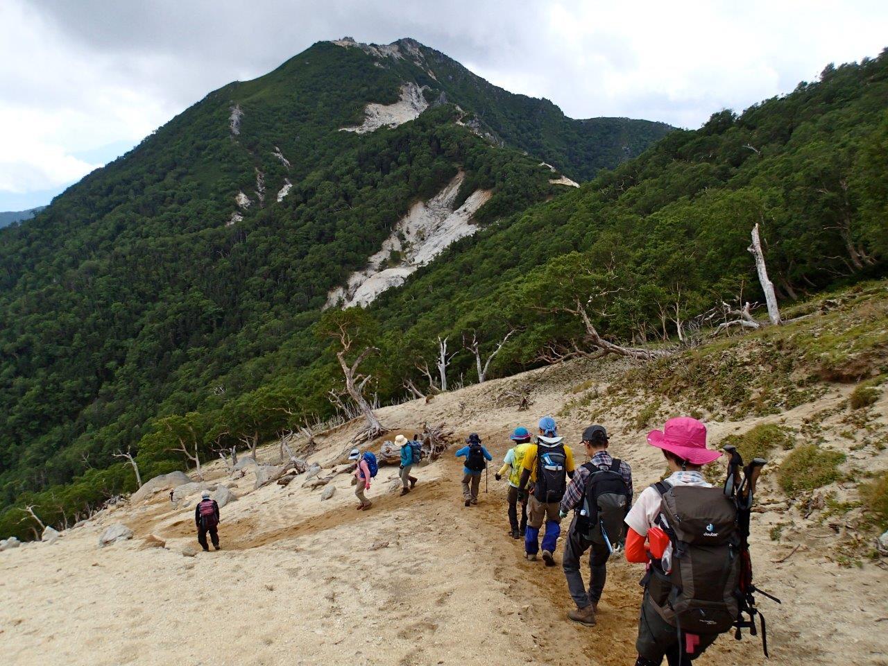 ▲地蔵岳付近から見る観音岳方面