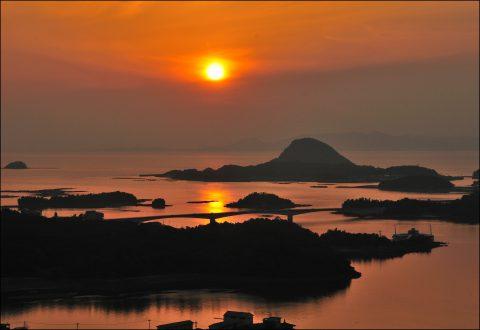 日本の夕陽百選に選ばれる天草の夕陽