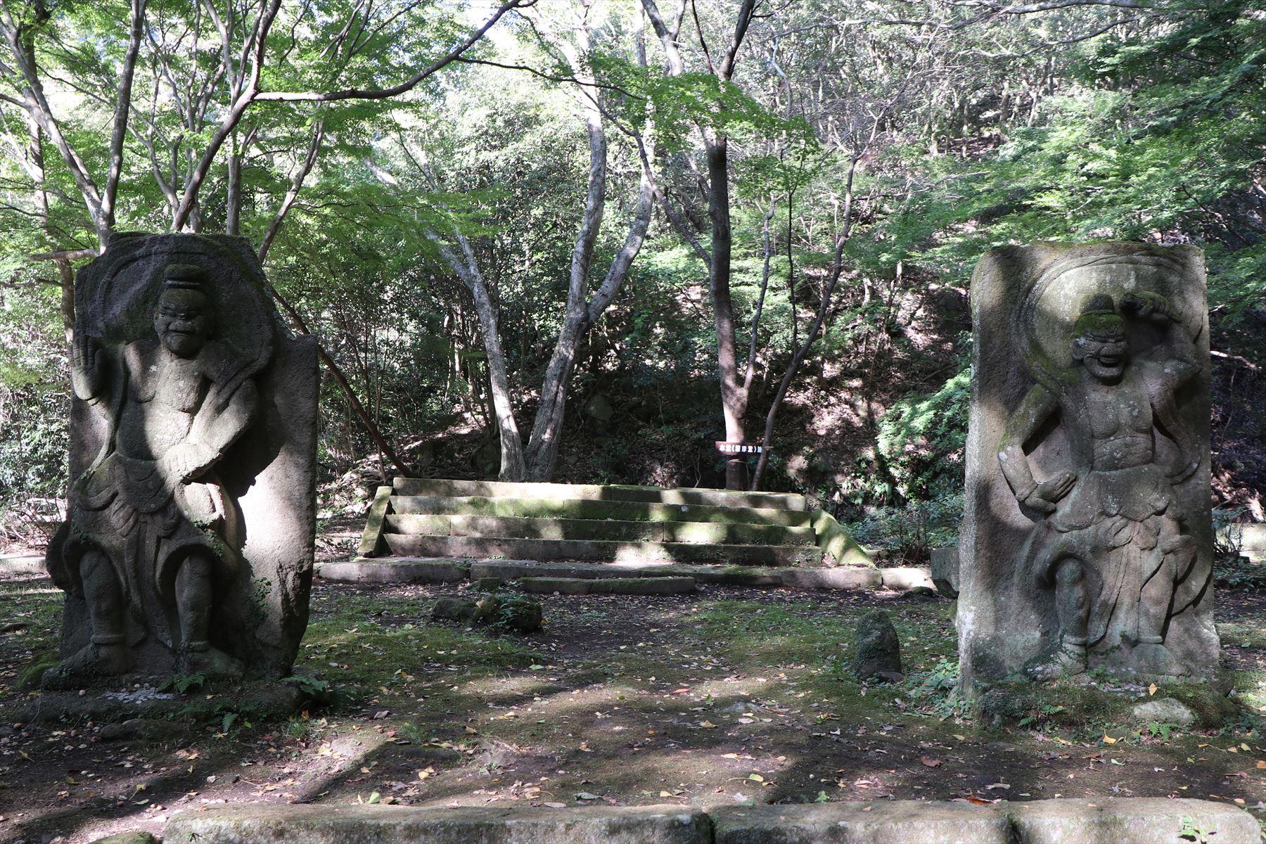 旧千燈寺の石仏