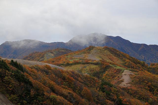 秋の大佐渡山地