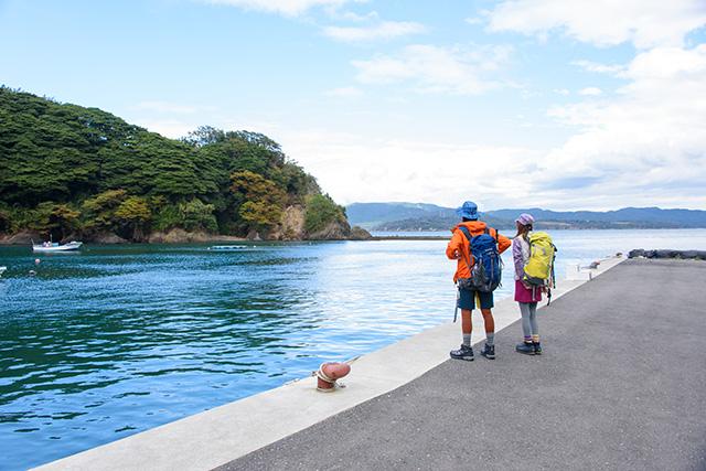 田代島では大泊港からハイキングスタート(1日目)