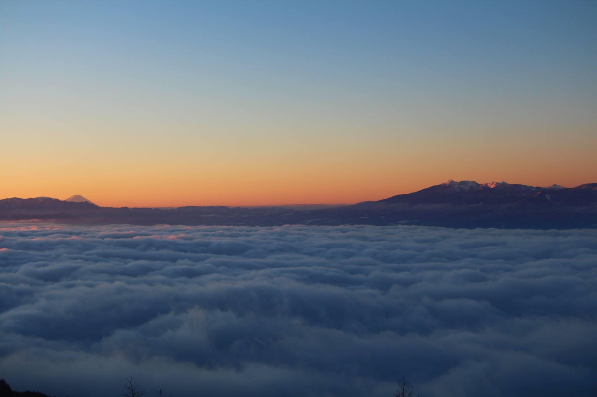ホテルからの朝の雲海