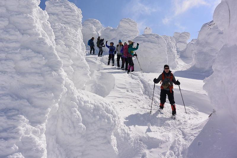 蔵王の樹氷原をスノーシューで満喫
