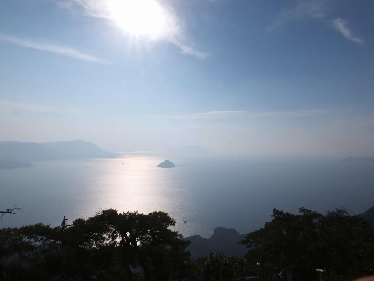 弥山から望む瀬戸内海   写真提供:広島県