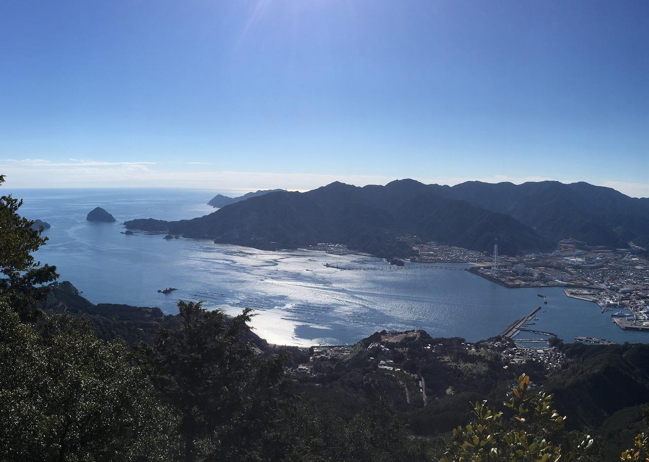 馬越峠途中の天狗倉山山頂からの展望