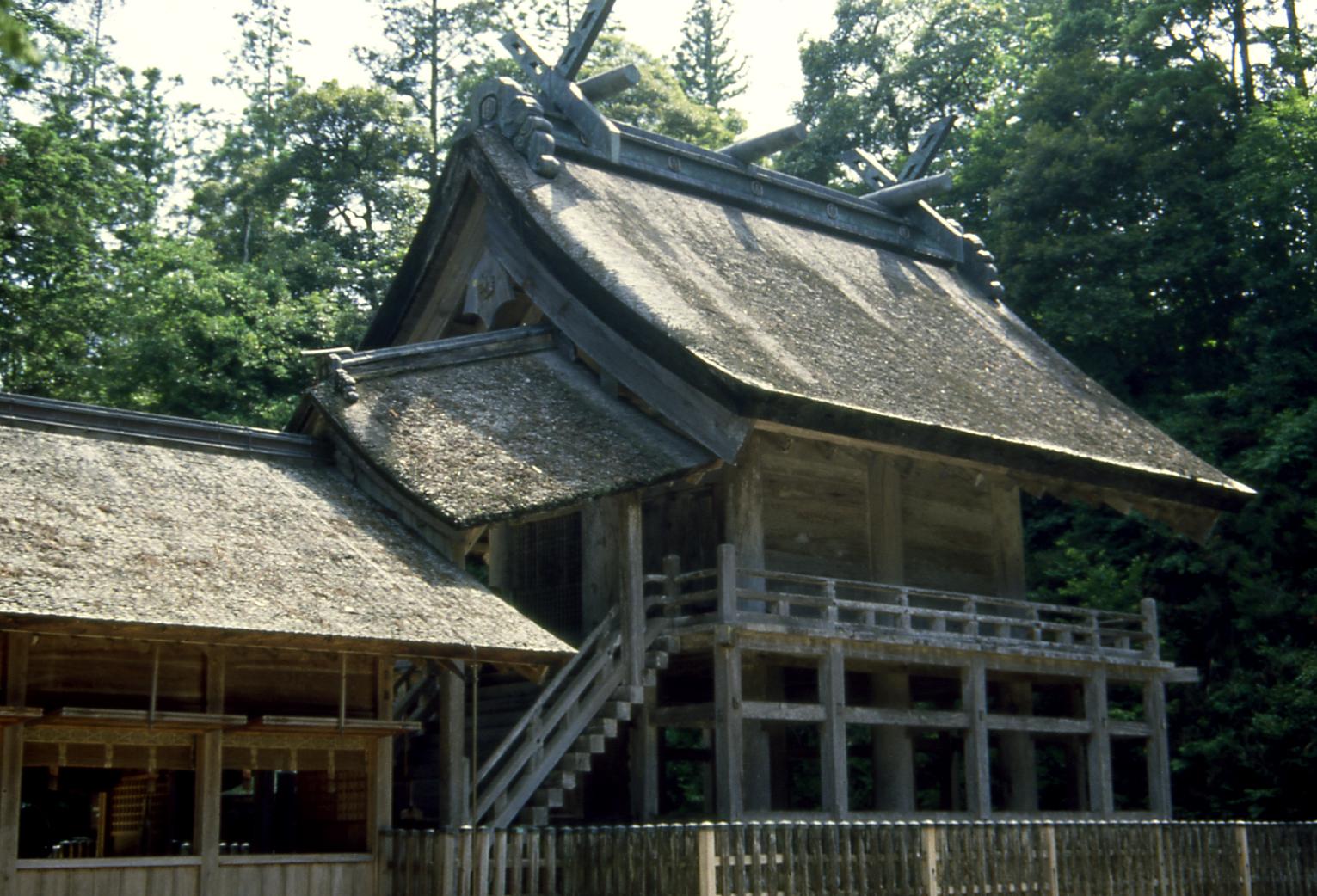 神魂神社は現存する日本最古の大社造りで出雲国造所縁の社
