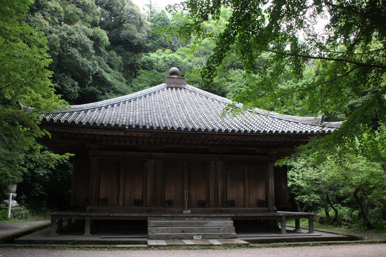 平安建築を今に伝える国宝の富貴寺