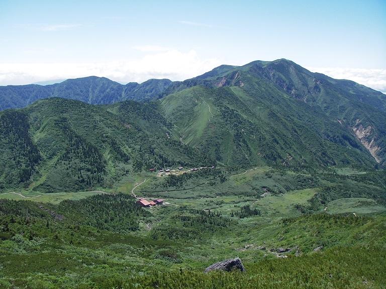 白山山中に佇む南竜山荘