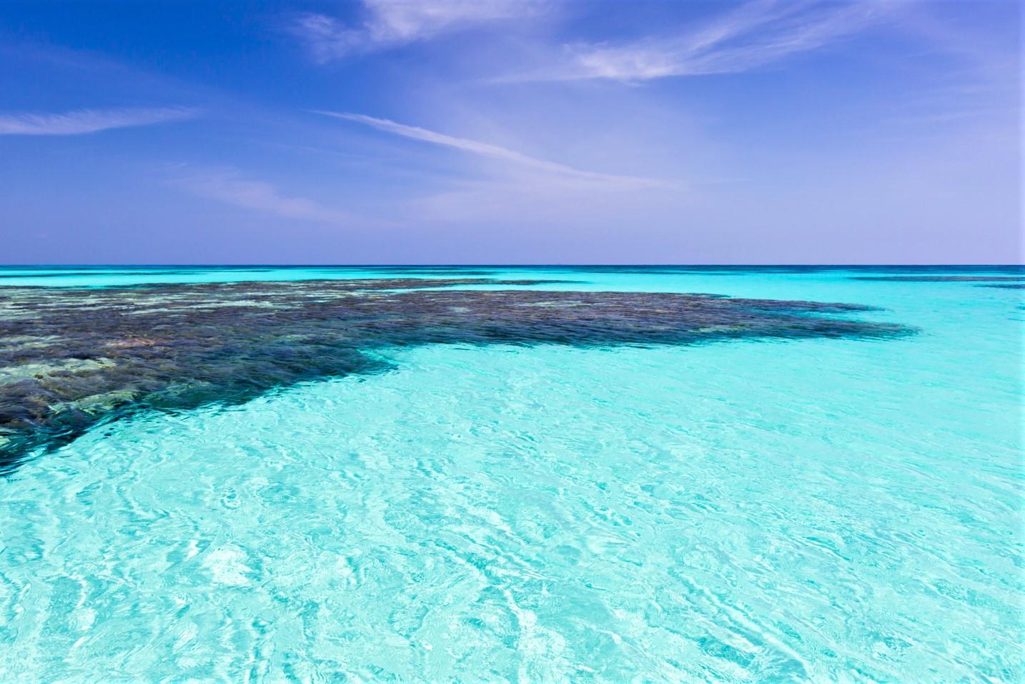 波照間ブルーの海