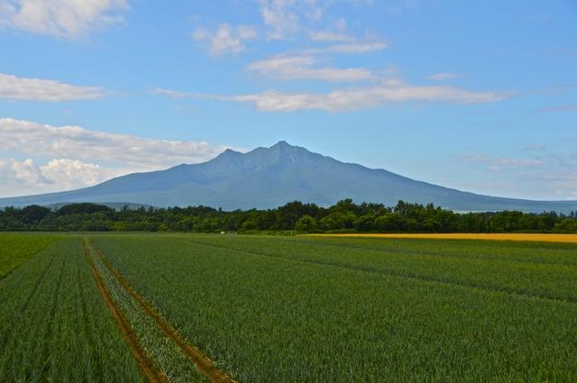 道東のマッターホルンと呼ばれる斜里岳