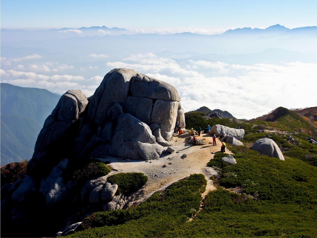 空木岳から下山(駒石)