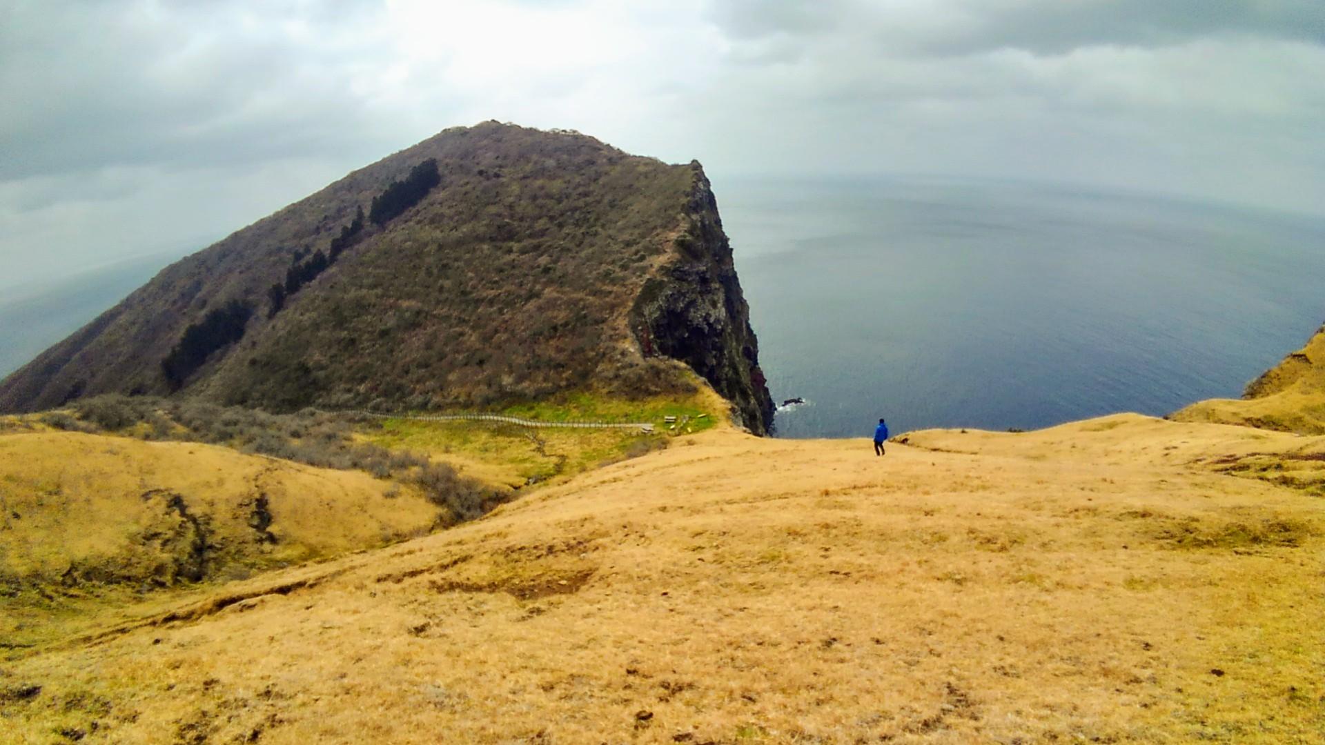 夫里島、赤ハゲ山から赤壁へハイキング