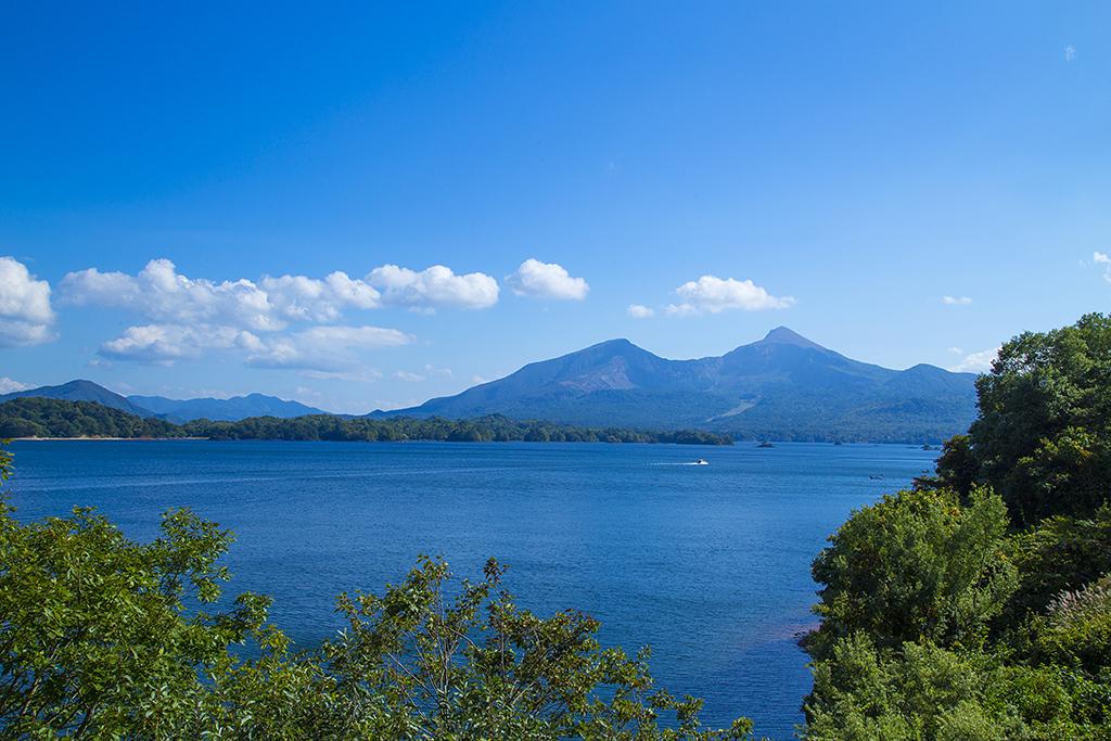 桧原湖からの磐梯山