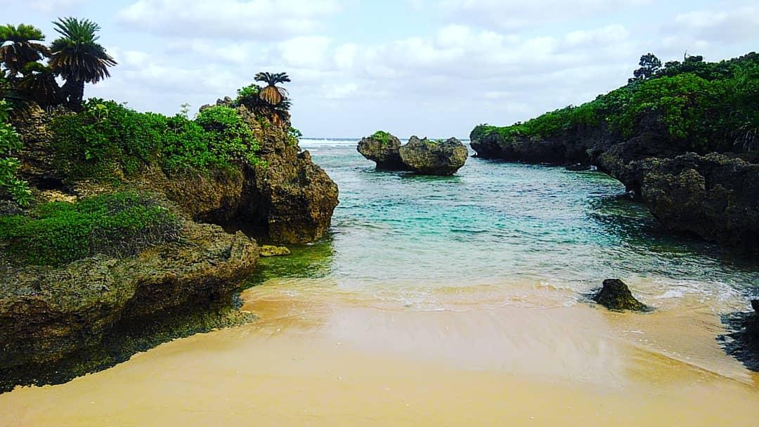 西表島・うなり崎のビーチ