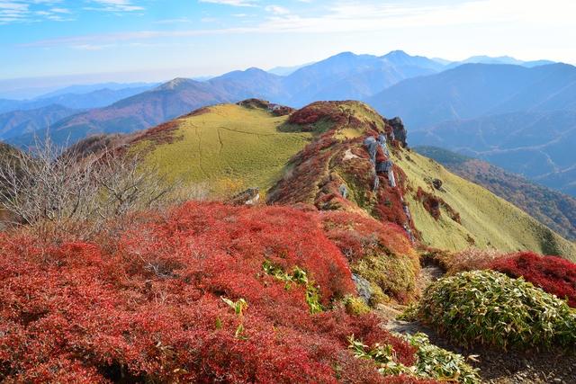 四国一美しいといわれる三嶺