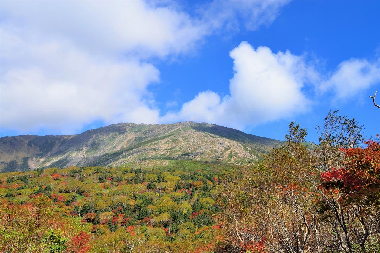 遠野三山のひとつ、早池峰山