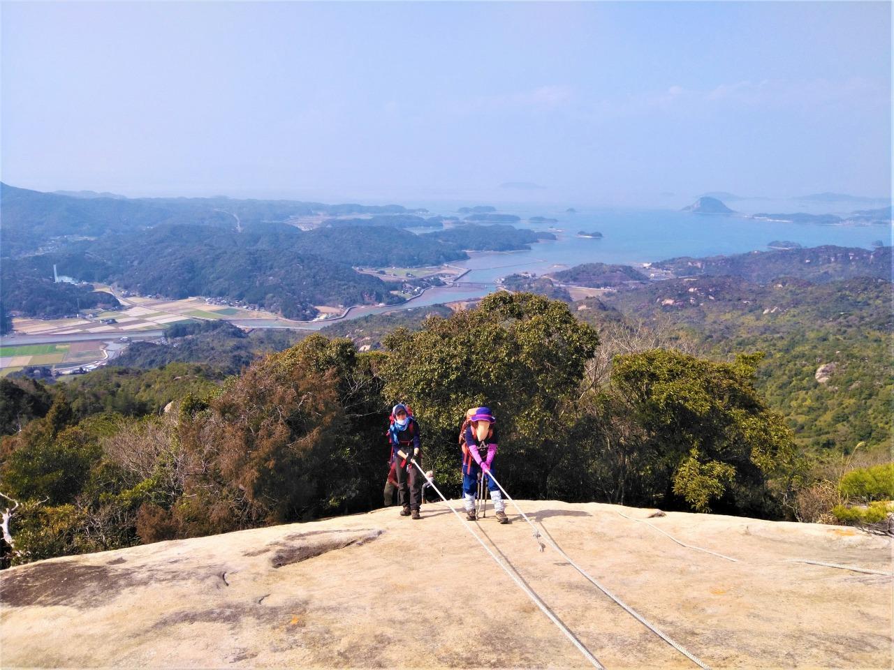 天草を見渡す絶景のピーク、次郎丸嶽山頂直下