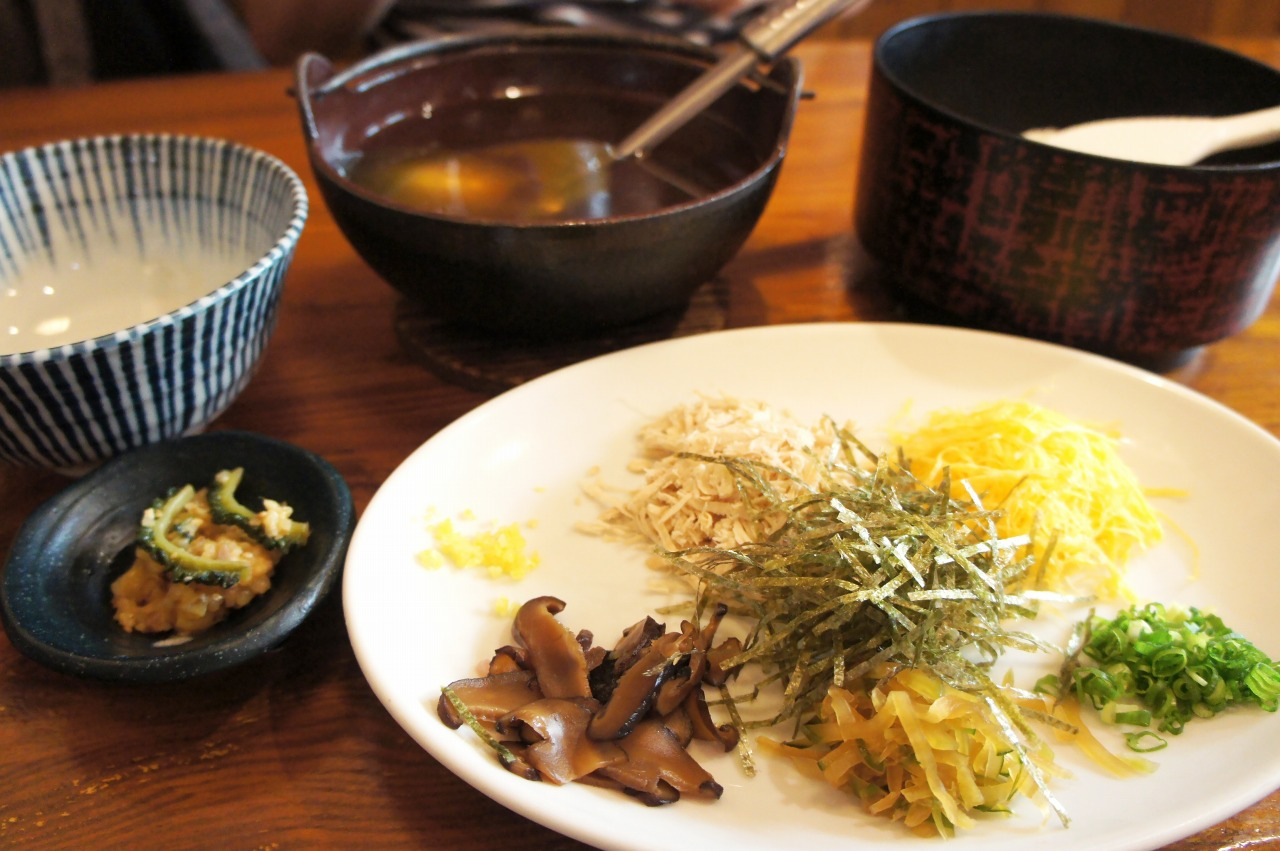 奄美大島の名物料理・鶏飯