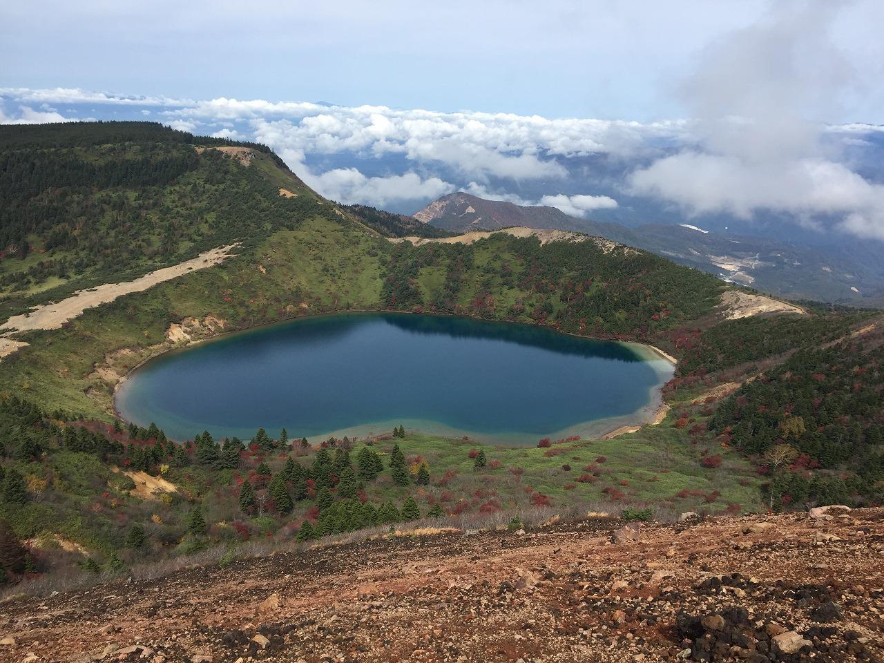 一切経山から俯瞰した五色沼